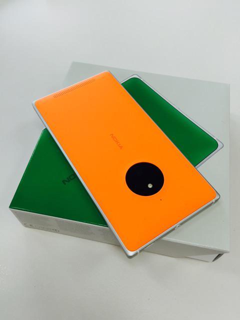 いわゆる会社携帯としてIS12Tに代わり諸問題解決済みのLumia830を受領。色はイナホくんのカタクラフトKG-6と同じくオレンジ色で。最強の練習機に仕立てます http://t.co/LtG4t1XoSo