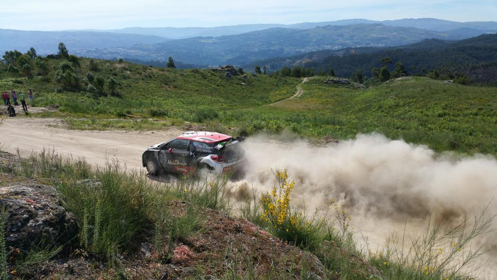 [INFORMATION] La DS 3 WRC 2015 change de look ! CFR2tLFXIAEPEXr