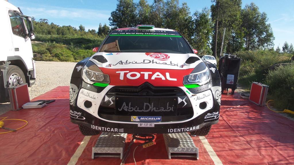 [INFORMATION] La DS 3 WRC 2015 change de look ! CFRYFnBWMAAJGbN