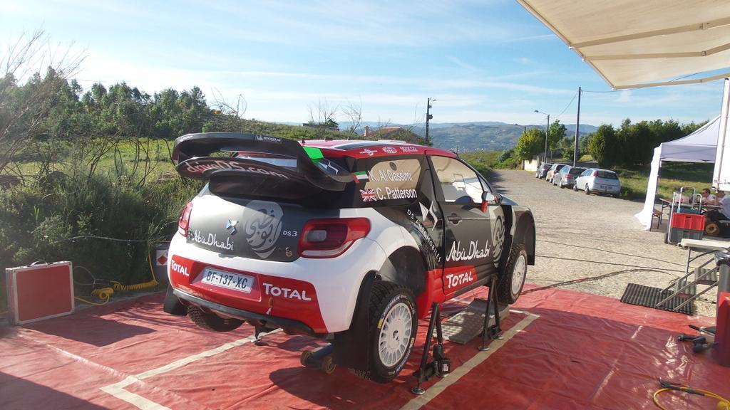 [INFORMATION] La DS 3 WRC 2015 change de look ! CFRYHi5XIAAnphN