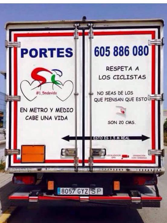 In Spain there are truck drivers who protect cyclists! Are we able to do that also in other countries? Leave 1,5m. http://t.co/t0ITW4tUFK