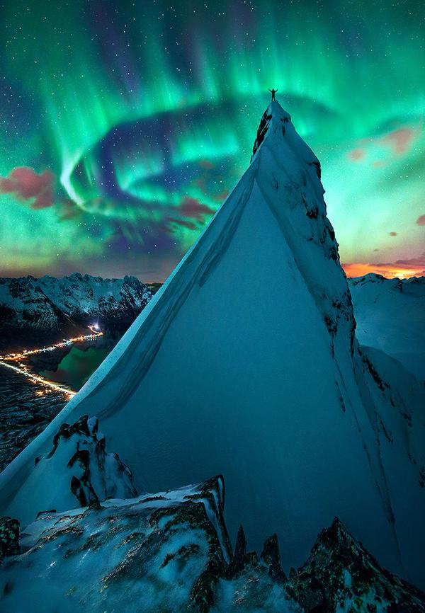 Immense #Norway at Night https://t.co/YG6yJE3gP5 c EarthPicturz