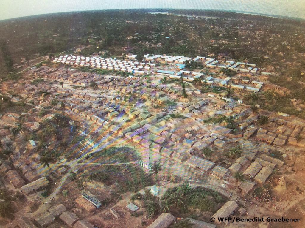 #15avril @Refugees Camp in #Bétou @WFP_Africa @DavidWFP @PAMRDC @WFPLogistics @WFP_Europe @koffiakakpo2 @PatrickMeier<br>http://pic.twitter.com/mVK3xLex9A