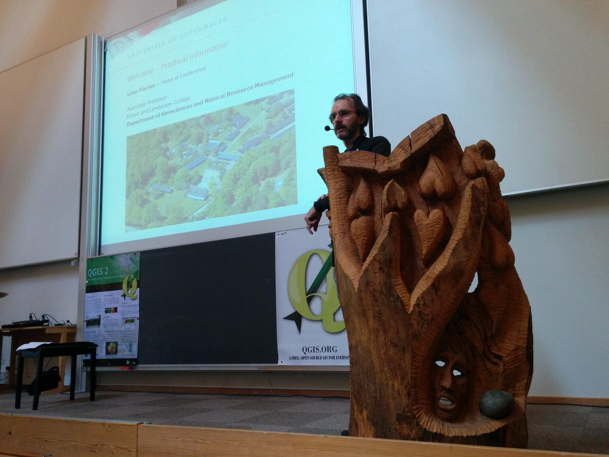 @timlinux giving an intro to the #qgis2015 conference in Denmark http://t.co/7a9H275pSs