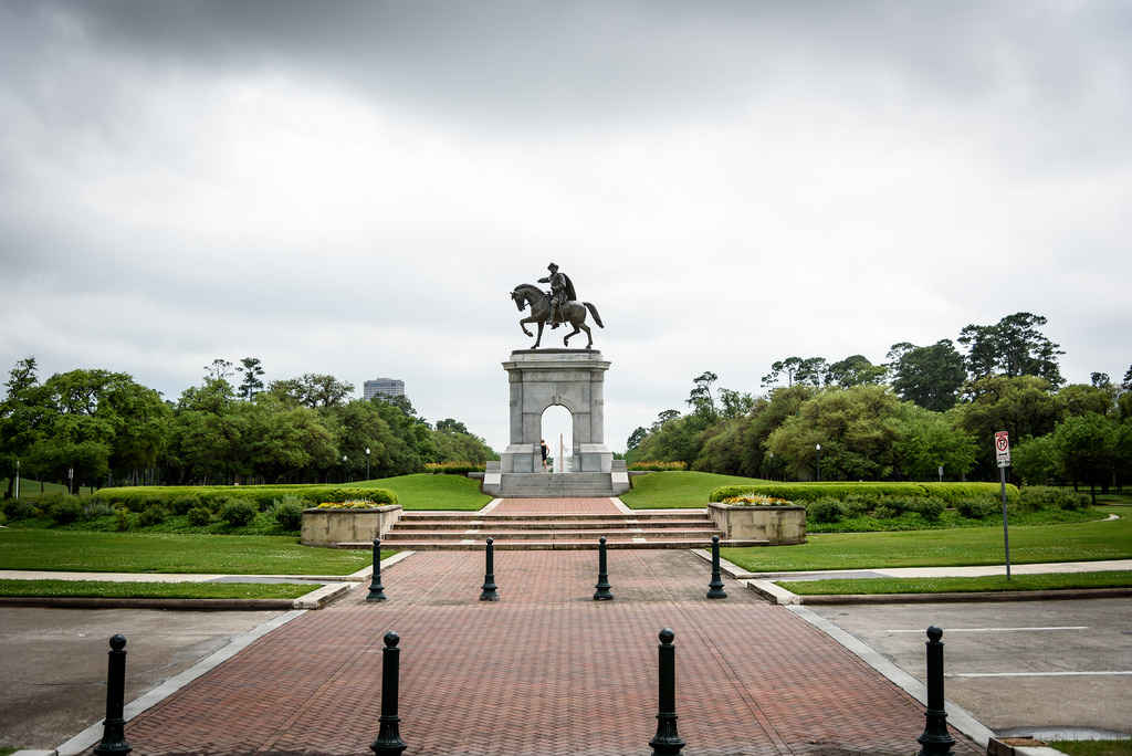 20 Reasons Everyone Should Visit Houston at Least Once: http://t.co/VchtkE3F9y http://t.co/fqRVVCXnJA