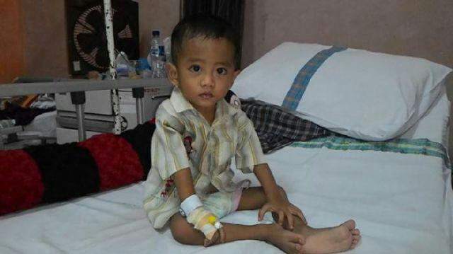 Help | Bayi 21 bulan menderita kebocoran jantung, membutuhkan uluran tangan untuk operasi,  CP Ratnasari 085346973058 http://t.co/9ENKrzaesC