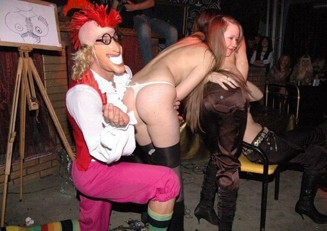 развратные конкурсы в клубе фото