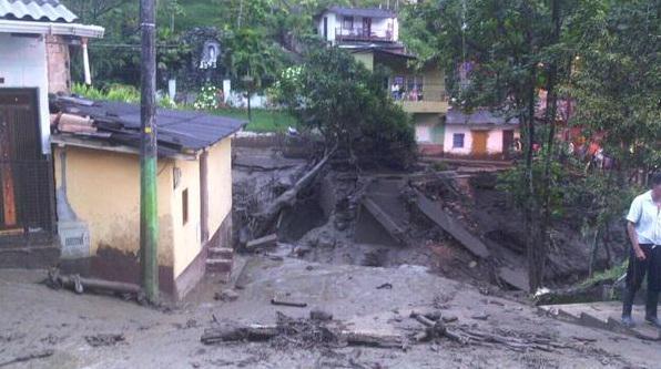 Sale il numero di vittime a Salgar in Antioquia (Colombia) a seguito di una alluvione generata da una frana nella notte di ieri