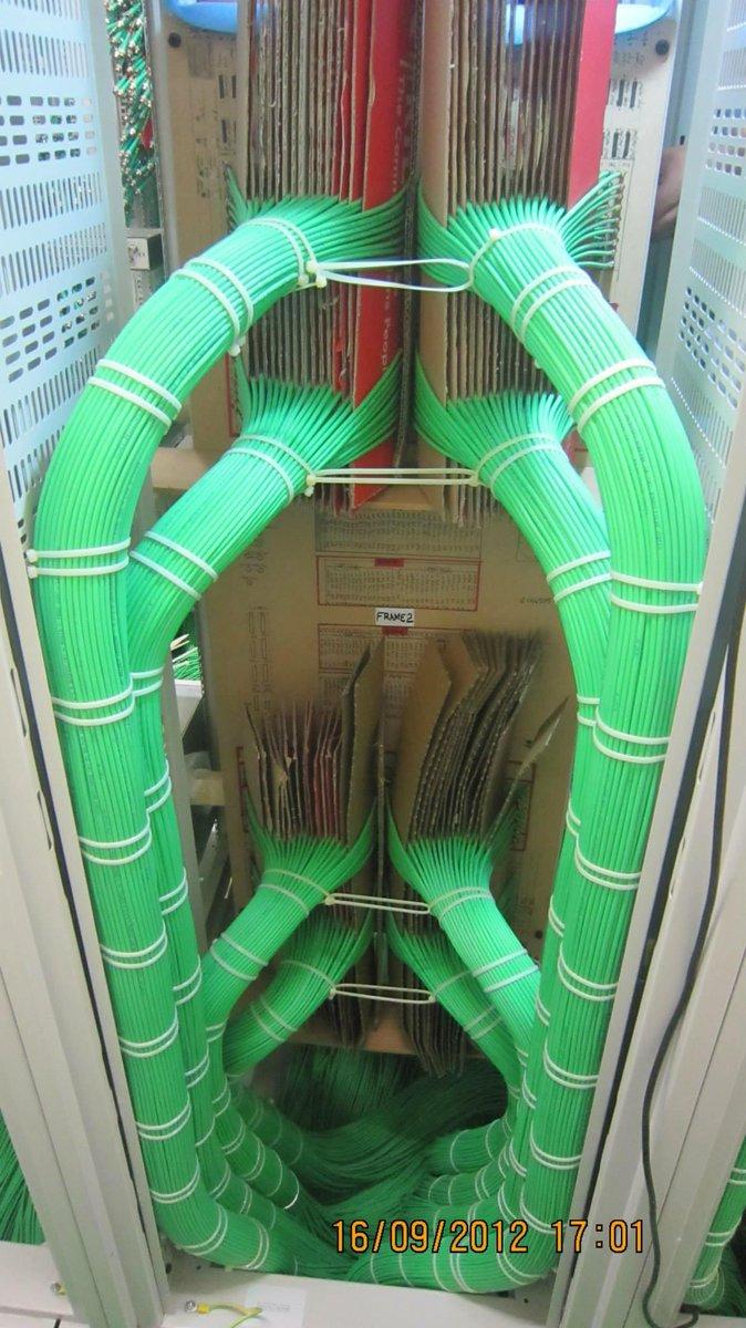 Monteur-câbleur level 100 Oo' http://t.co/5Wh2QWQvDO http://t.co/K6cOxtovu0