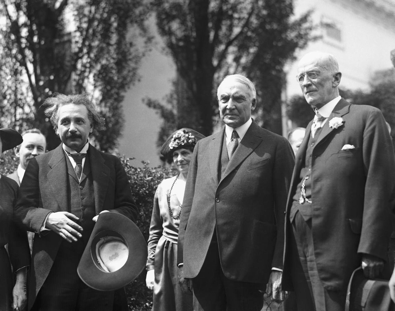 "Albert Einstein Twitter: Albert Einstein On Twitter: ""In Honor Of @POTUS Joining"
