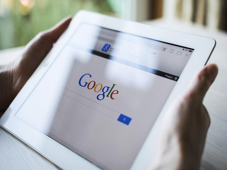 #Ebay #Ecommerce Report: Google will take on Amazon, eBay with 'buy' button http://t.co/CHF5rOJ4HF #SocialMedia http://t.co/E9ZupuKzB1