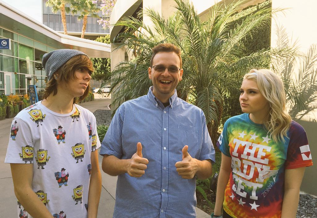 Hanging out with Internet rockstars @Deefizzy & @carsonfanikos today. They're so happy to see me! #Carmon http://t.co/l370GcvVnl