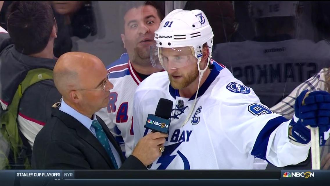 NY Rangers fan photobombs Steven Stamkos following Game 2 (Photo)