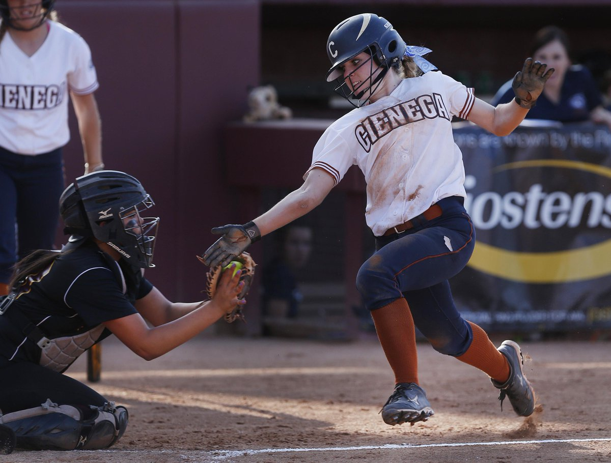 #Cienega wins D2 state softball championship 9-2 over #Salpointe. MORE PHOTOS >> http://t.co/EsxCKbQdla #azhs