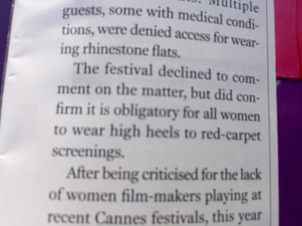 Wow. Story in Screen says women were turned back from red carpet screening #Cannes2015 for NOT wearing high heels. http://t.co/Yf2O3CyEW5