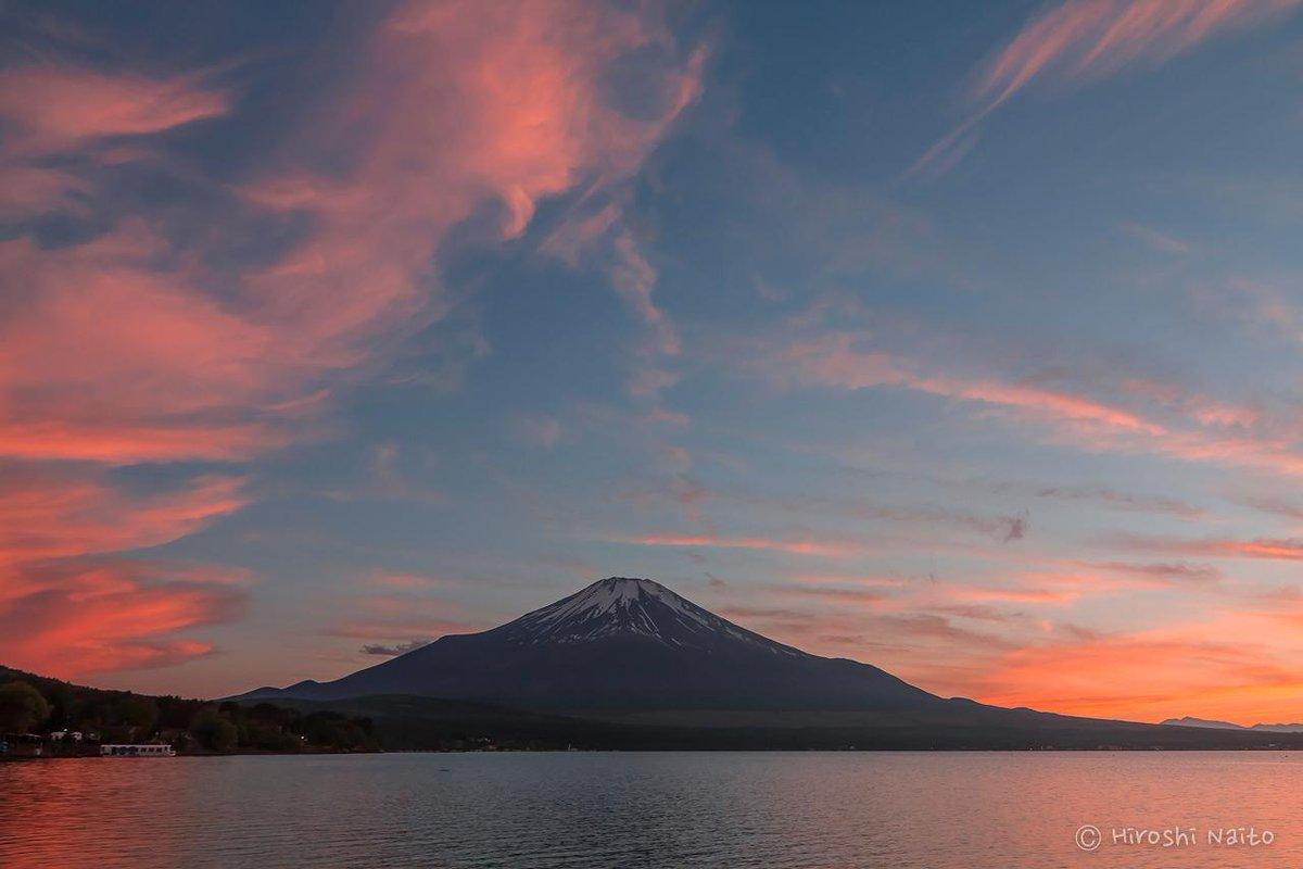 山中湖から久しぶりの夕焼け富士山 2015/5/19 #fujisan #mysky #富士山ノ会 http://t.co/cY83BZh2KE