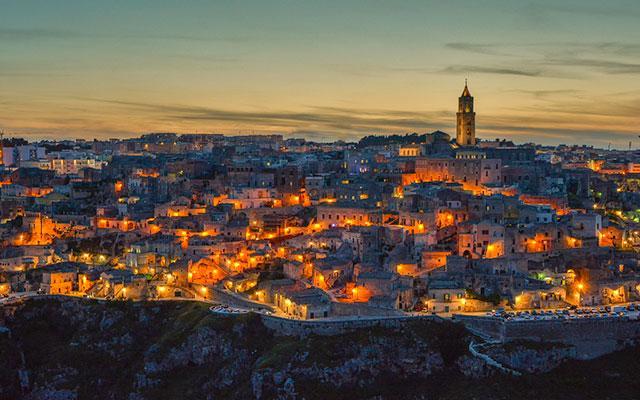 Matera è ora ufficialmente Capitale Europea della Cultura!  #ECoC2019 #Matera2019 http://t.co/SvTwhKgad5