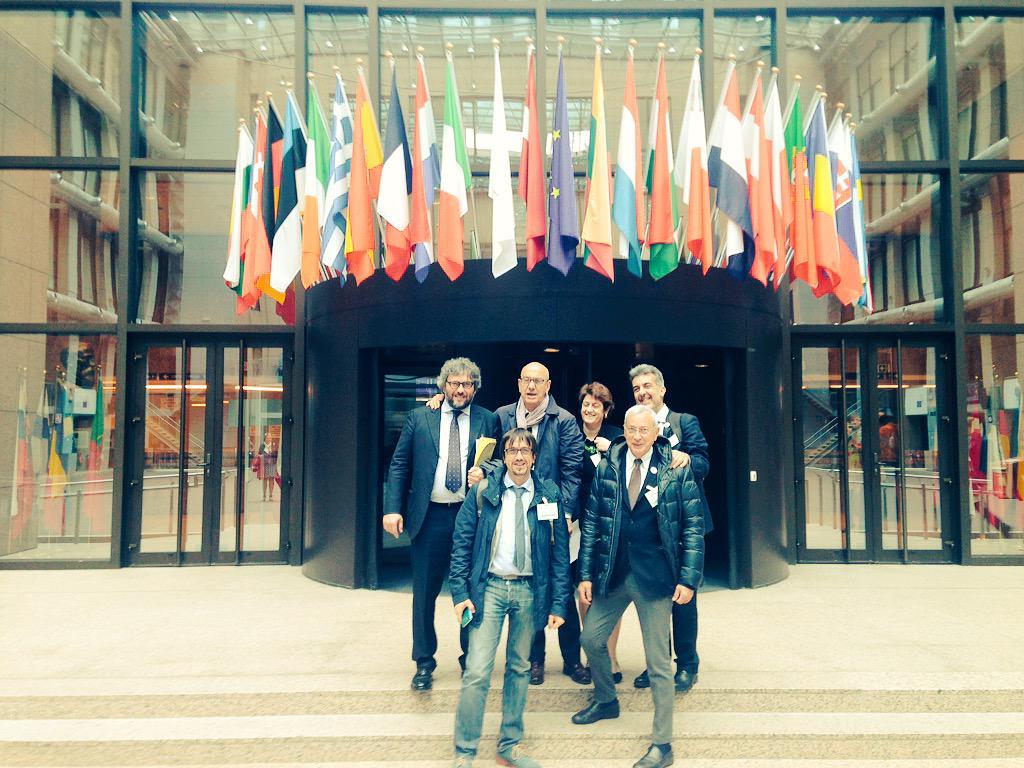 Foto di gruppo post nomina #ECoC2019  #Matera2019 http://t.co/OlbMZGAPxT