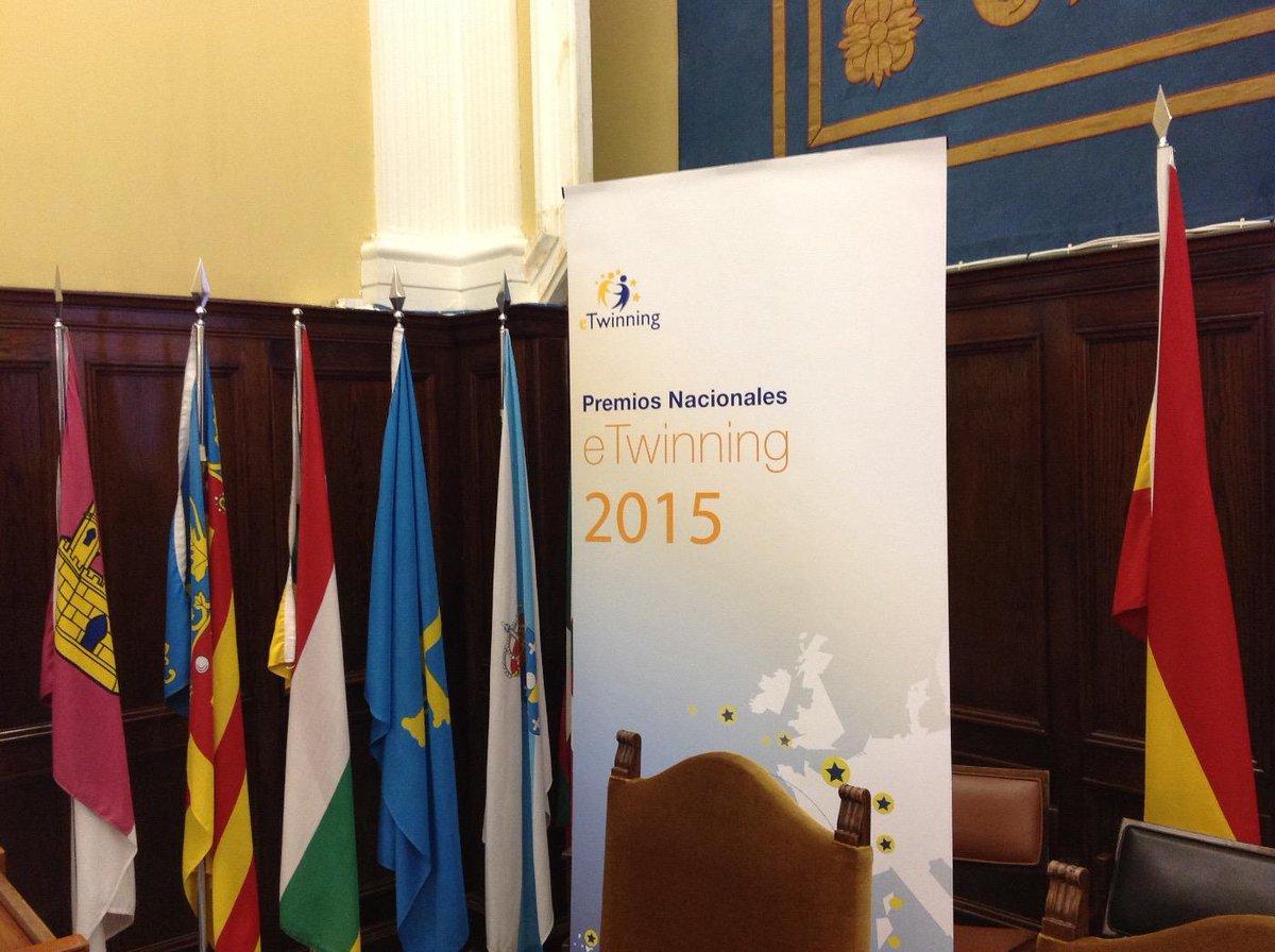 Lo más visto en #EducaLab: @eTwinning_es: '#etjuntos Todo listo para los Premio… http://t.co/YYBgM5e8cr, see more http://t.co/iXJp8ISlGb