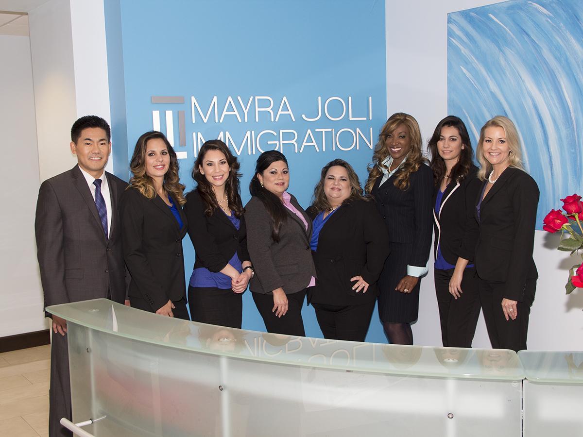 Mayra Joli On Twitter Tienes Alguna Pregunta De Inmigracion Y Necesitas Un Abogado Llama A Mayra Joli Al 305 722 2828 Http T Co Nmxubiwexh