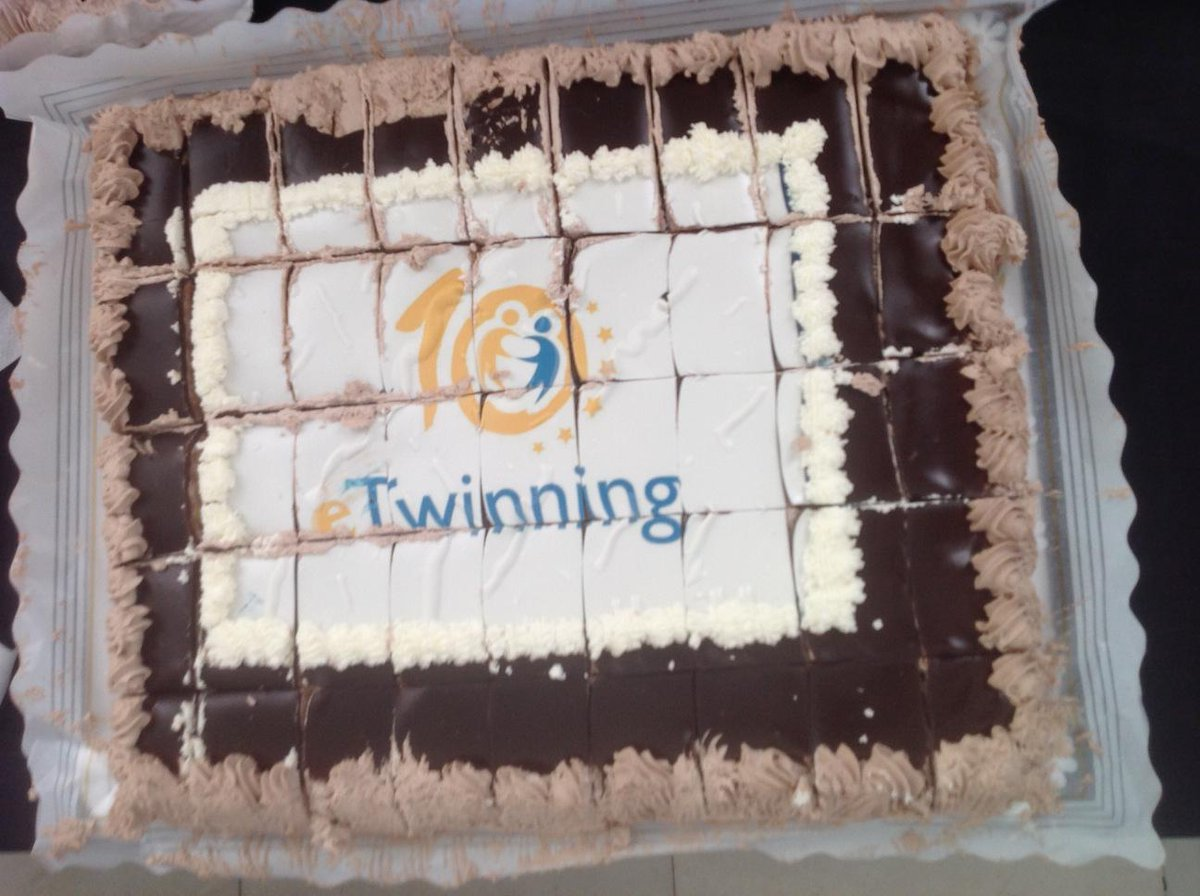 #etjuntos en la celebración de #etwinning10 Felicidades #etwinning @eTwinning_es http://t.co/yL5zqhA7cE