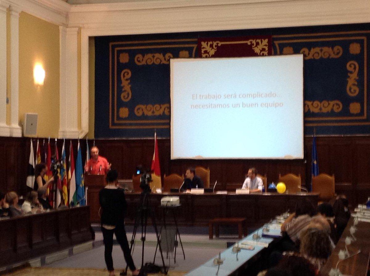 Jorge Mora nos habla de la implicación de los equipos directivos en eTwinning #etjuntos http://t.co/4LUrUtTY50