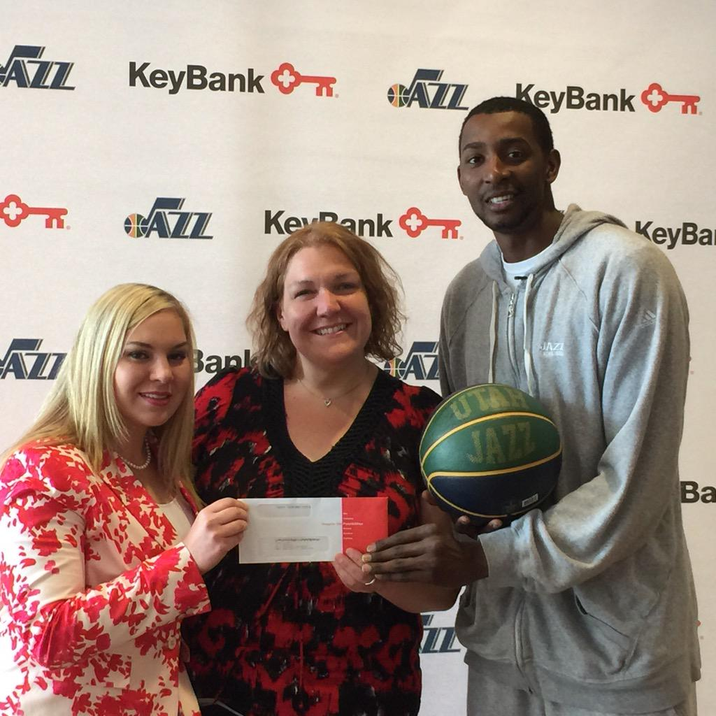 @JeremyEvans40 you rock thanks so much @keybank @utahjazz #slc http://t.co/Y3vABPhyGk