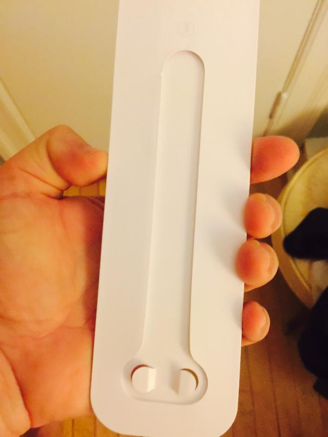 none of the apple watch reviews mentioned the packaging for the strap http://t.co/PFSn6G1MaX