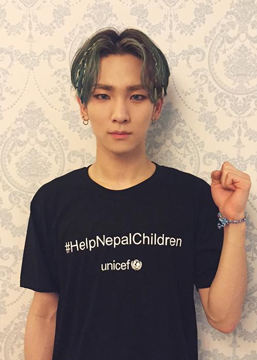 가수 #샤이니 (#SHINee) 의 따뜻한 마음이 꼭 전달되어  네팔어린이들이 환하게 웃을 수 있기를 진심으로 기원합니다.  #네팔긴급구호 : http://t.co/wOv7VNyaEL  #유니세프 #네팔팔찌 http://t.co/5ErEgiRM8A