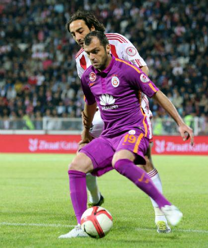 Pandev looks to shield his marker