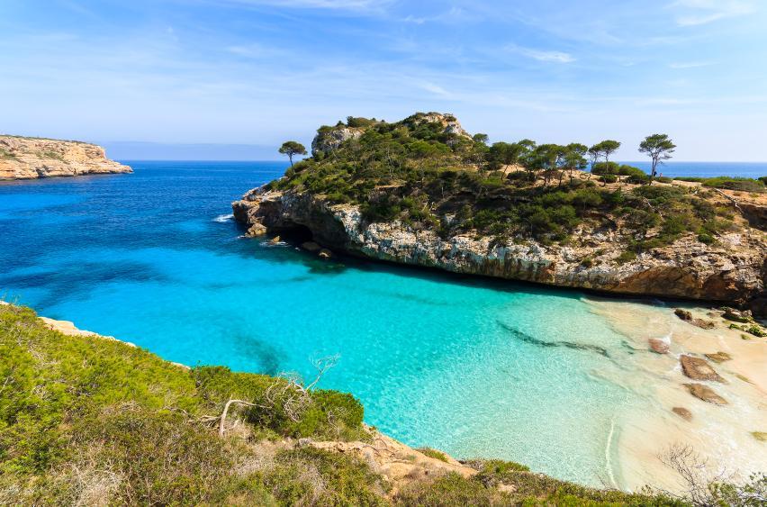 Spain on twitter calas que parecen una piscina natural - Piscina natural mallorca ...