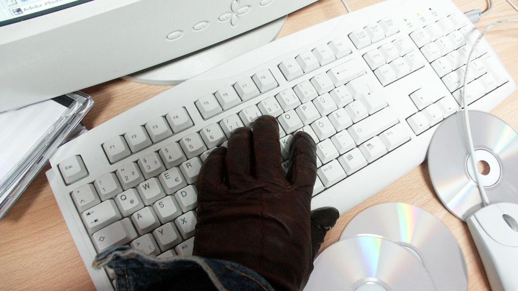 Fisco USA sotto attacco degli hacker. Rubati i dati di 100 mila contribuenti