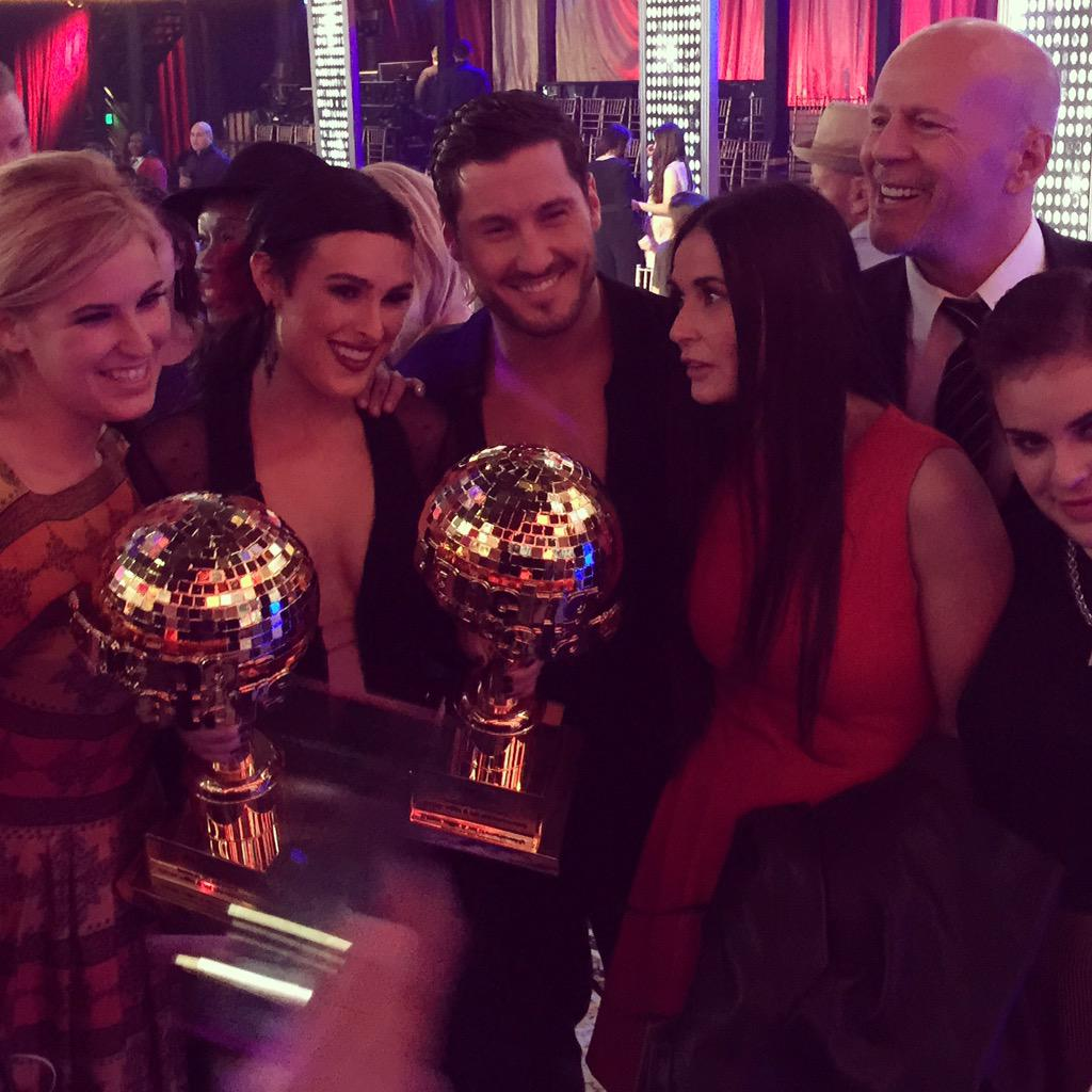 A Family Affair!!!  Filled with love pride and awe for @TheRue & @iamValC #TeamValenRue http://t.co/Tex5Xl28tO
