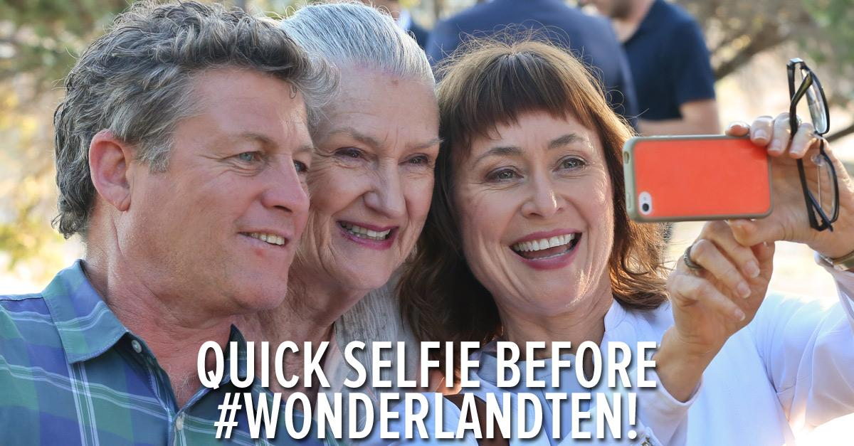 We love this behind the scenes shot from the filming of tonight's #WonderlandTen finale. Are you ready? http://t.co/87pRGXCtGp
