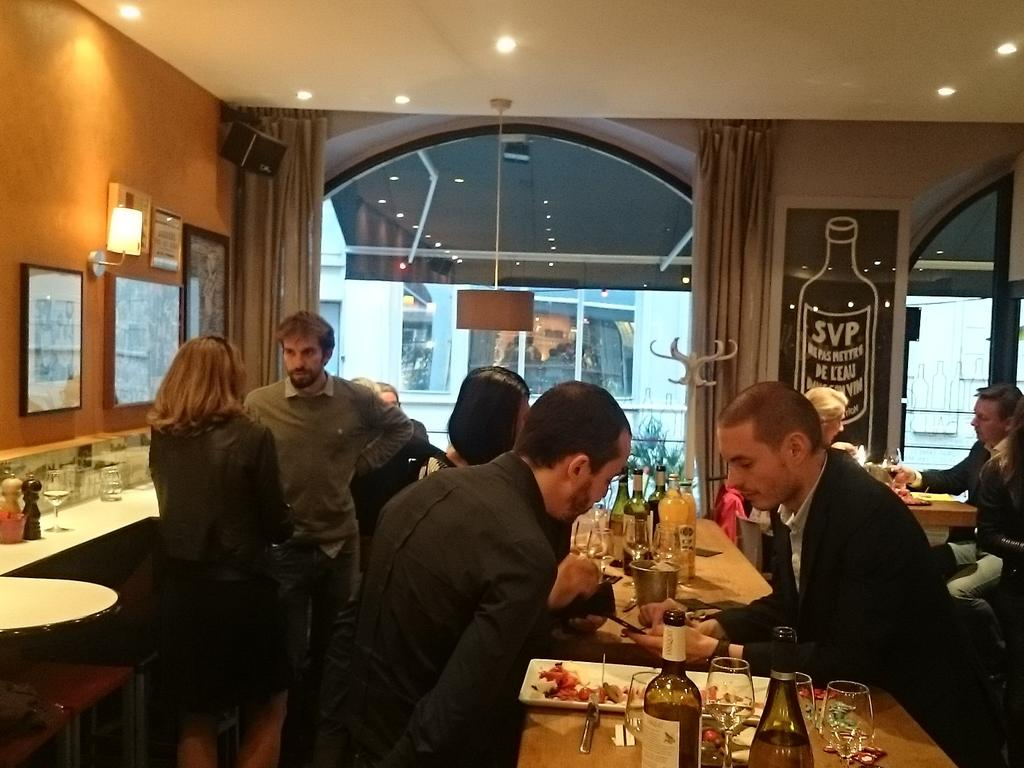 1er Afterwork #bdocoaching cc @bdofrance  merci @neocamino @MisaSmartclock and co #Lyon #startup<br>http://pic.twitter.com/ClvXAwDKFT