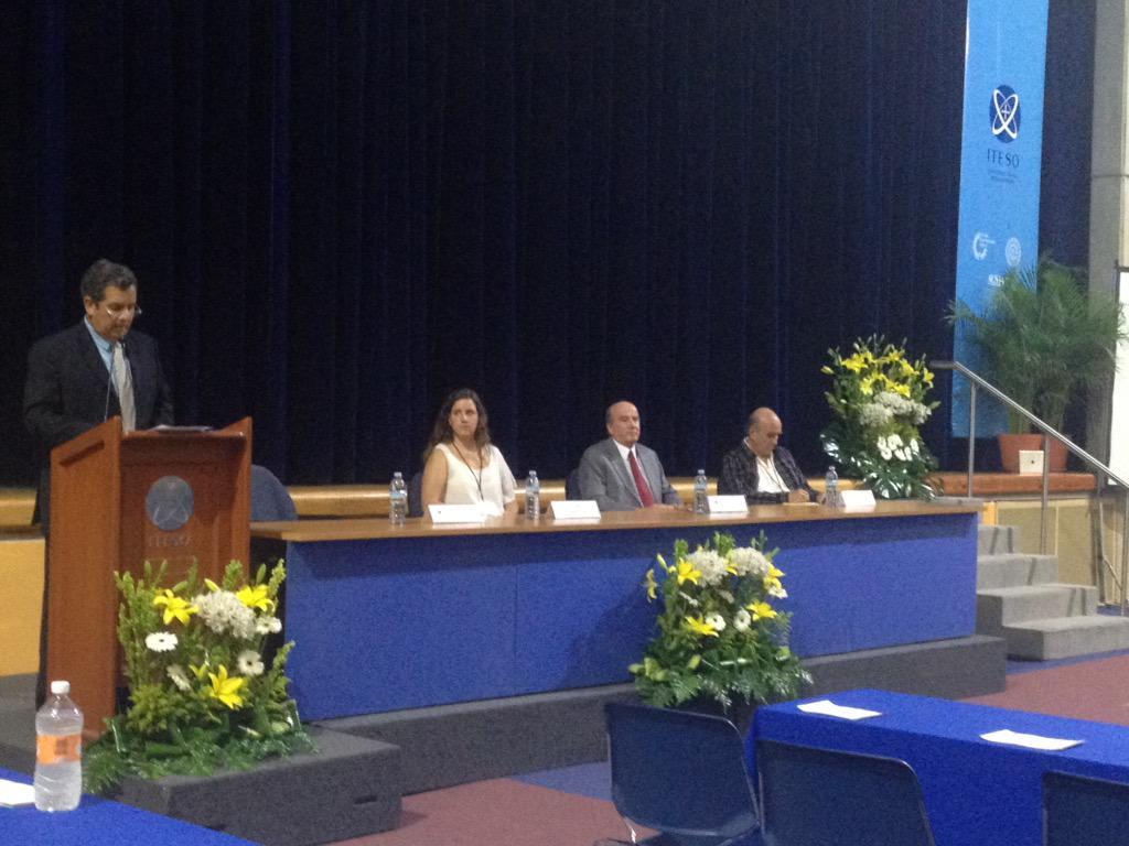 """Inauguración del 22 Simposium de Educación """"Educar para vivir bien, vivir bien para educar"""". #SimpoEdu @iteso http://t.co/LldpcjThzW"""