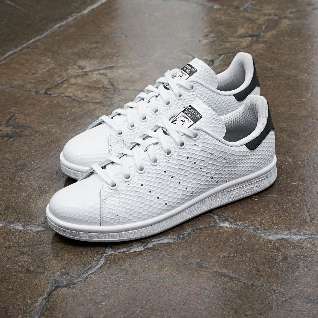 sports shoes 2acf4 8ff4b Available in the original white green and a contemporary white black,  stansmith  Honeycomb Gloss Pack drops June 1st.pic.twitter.com cAER1kD34x