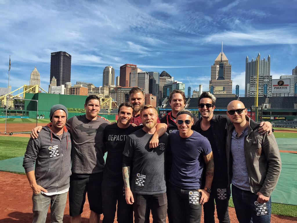 Great day at @Pirates batting practice with the boys! http://t.co/AxHw8ZuPIb