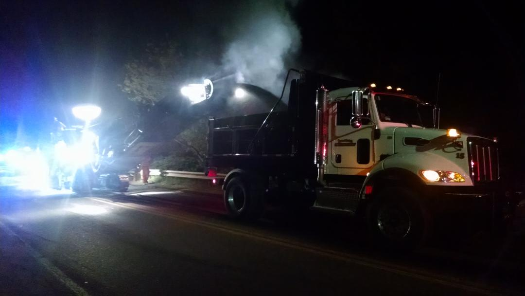 Happy Public Works Week.  Town of Easton DPW performing overnight milling operations on Foundry Street.  #NPWW http://t.co/3MWkzjH8a8