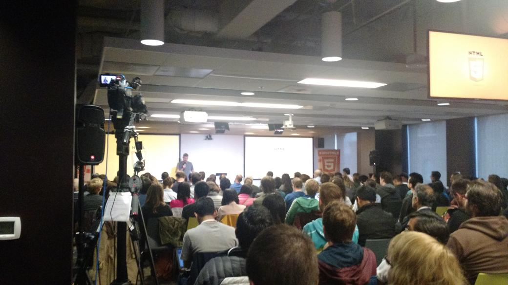I brought interns to @sfhtml5 today :-) http://t.co/6k3e8NEwWD