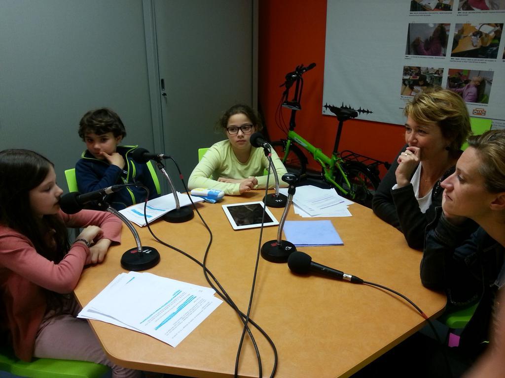 L'équipe est interviewée par @radiocartable avt  #telsonne ce soir sur @franceinter Des questions très pertinentes ! http://t.co/RmXYBQEXzB