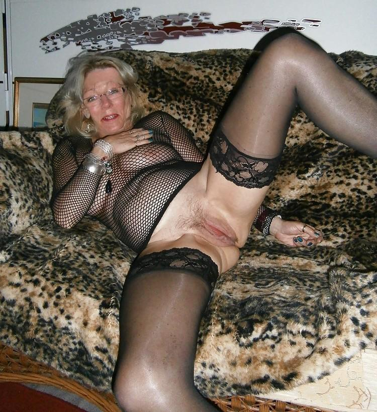 Gilf in stockings