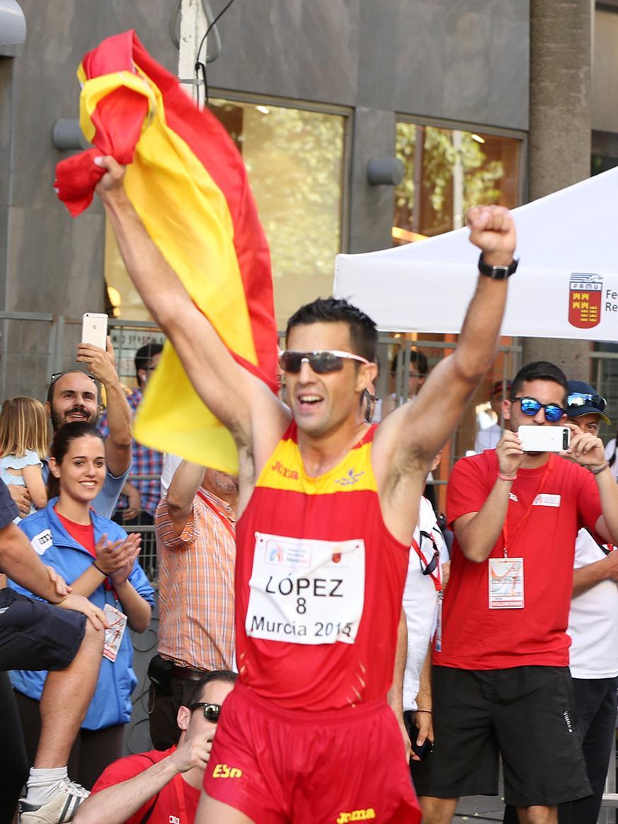 Medallas para España con color UCAM @MA_LopezNicolas @joelgonzaleztkd @PacoCubelos @setebenavides  #UCAMNation http://t.co/itKuwKkn2t
