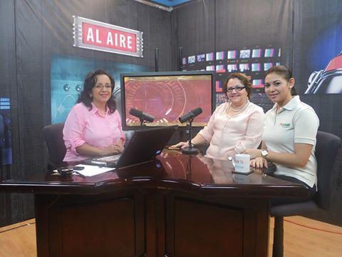 100% Entrevistas Marina A. #Zoológico Ncnal y Katty Alemán #Escasan #PerroCross a beneficio del Zoológico #Nicaragua http://t.co/C8lUJ0tMre