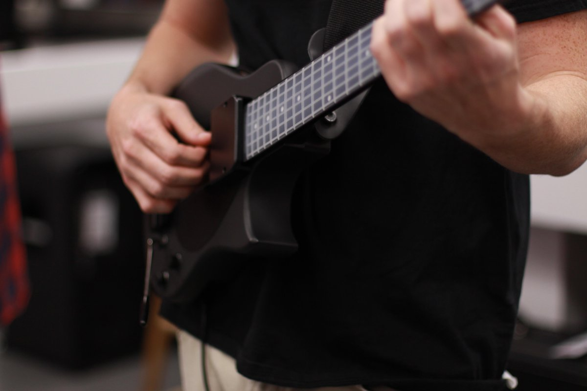 Make any MIDI madness lately? Tweet us links to your songs or use the hastag #yourockguitar - we'll find you :) http://t.co/K2wpXbu6M0
