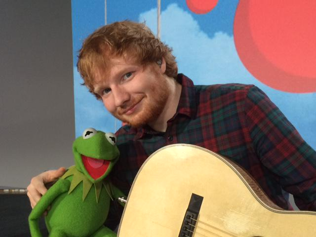 Catch @KermitTheFrog and @edsheeran perform LIVE tonight for #RedNoseDay on NBC at 8/7c! You won't want to miss this! http://t.co/d7NBioqlp6
