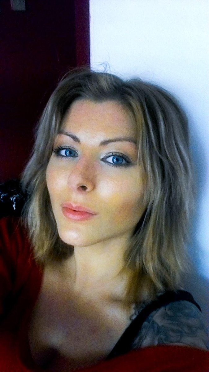 Kookie Katana  - After twitter @KookieKatana photoshoot,selfie,extensionsout,shorthair,blonde