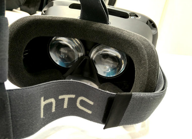 As the VR battle brews on, could this mean the end of video games as we know them? http://t.co/CpF6tk6Ll4 http://t.co/up7492wK29