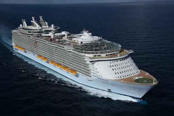 The world's largest #cruise ship just got a major makeover! http://t.co/fKiuFcb2A7 @RoyalCaribbean #AllureoftheSeas