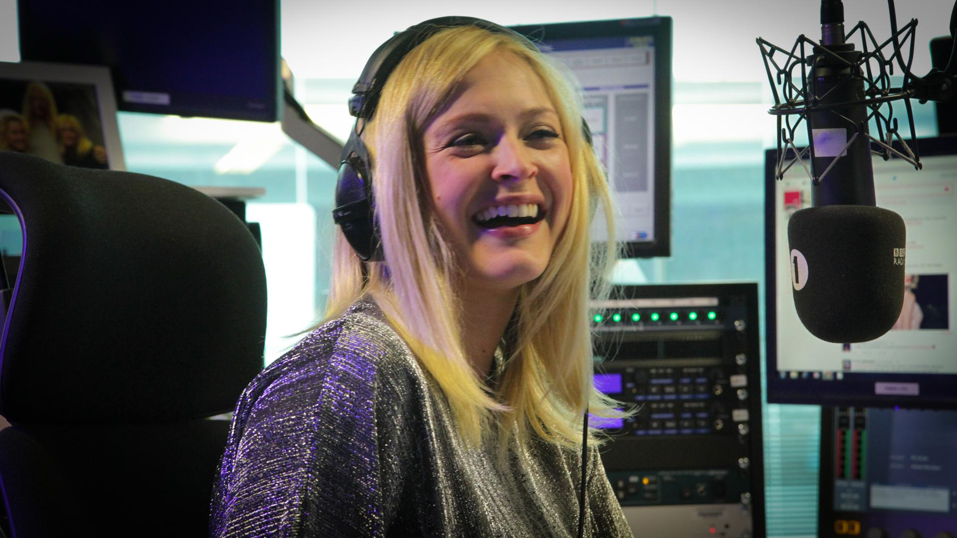 RT @BBCR1: Listen to ALL the songs recorded especially for @FearneCotton's last show on Radio 1 here: http://t.co/pm3uHvKnBh http://t.co/LC…
